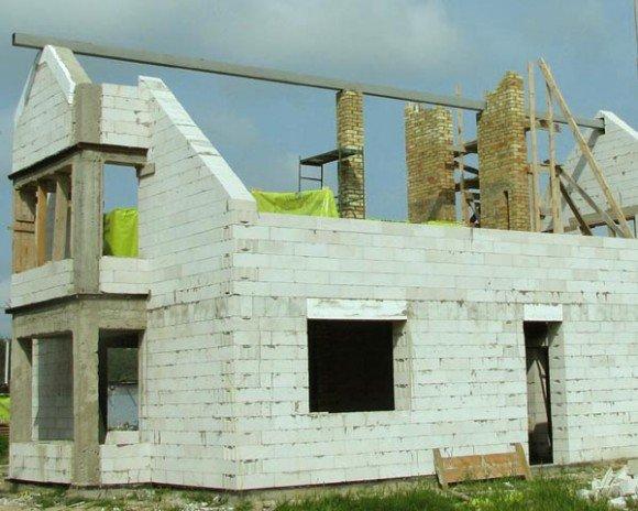 Возведение полумансардной крыши