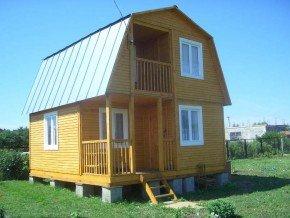 Дом с двухкаскадной крышей
