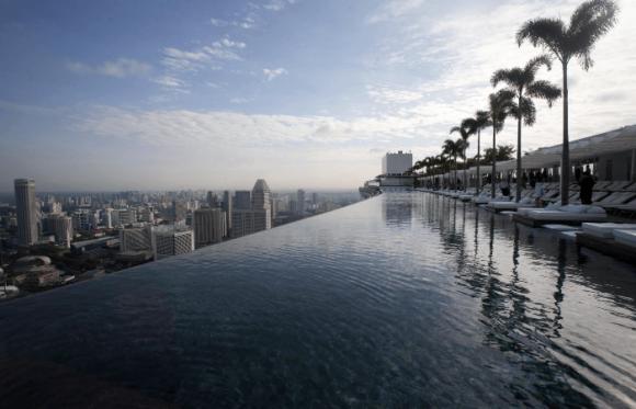 Крыша отеля Marina Bay Sands в Сингапуре