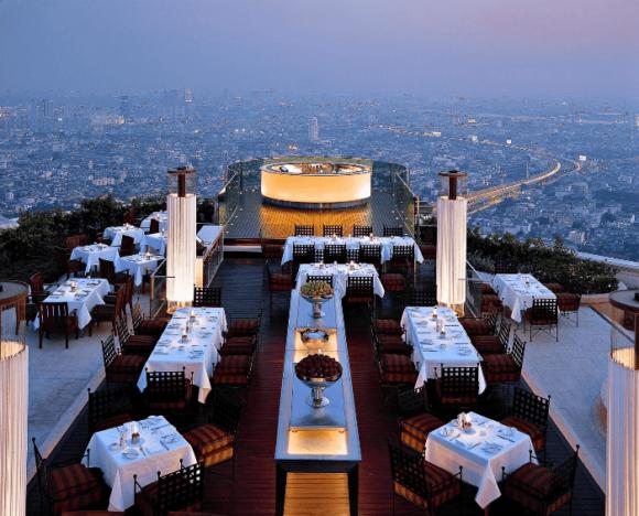 Бар на крыше гостиницы Lebua at State Tower в Бангкоке