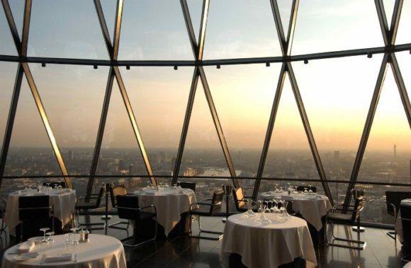 Ресторан со смотровой площадкой в здании Mary Axe, Лондон