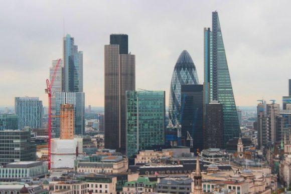 Вид со смотровой площадки St. Paul's Cathedral в Лондоне