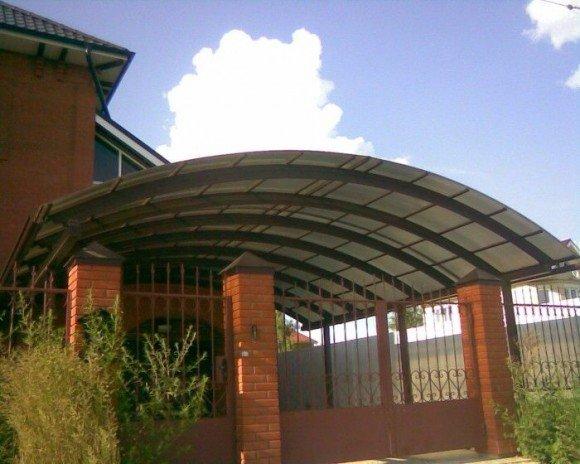 Арочная крыша из поликарбоната