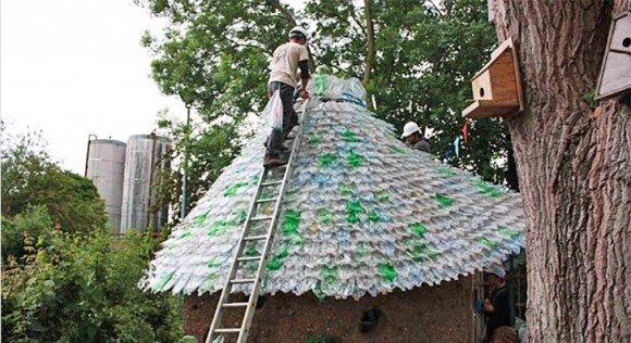 Возведение крыши из пластиковых бутылок своими руками
