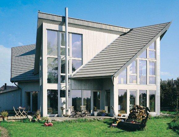 Дом с песочной крышей