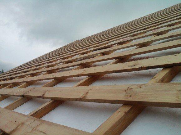Крепления досок в обрешётке крыши