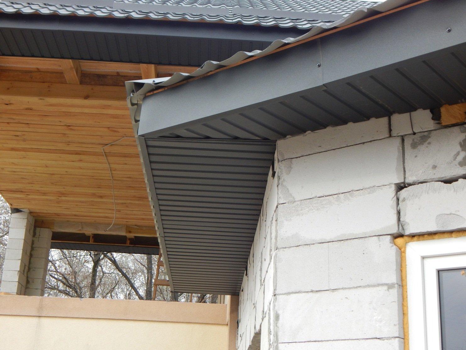 Подшить карниз крыши софитом своими руками фото 688