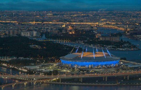 Вид на стадион в Санкт-Петербурге с крыши Лахта центра