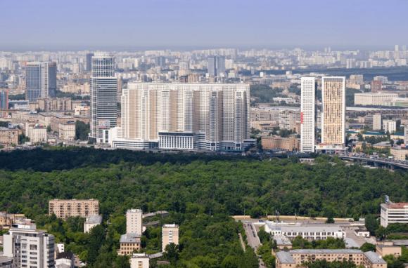 Вид со смотровой площадке на башне Империя в Москве