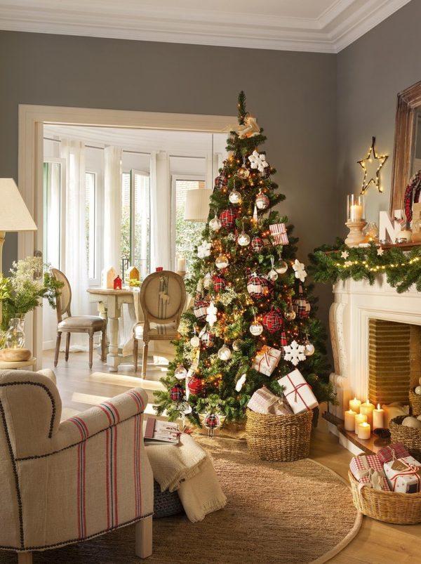 Рождественская ель – главное украшение дома на Рождество