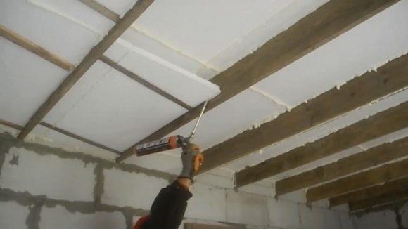 утеплить потолок