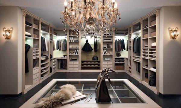 Зачем вам нужна гардеробная комната?