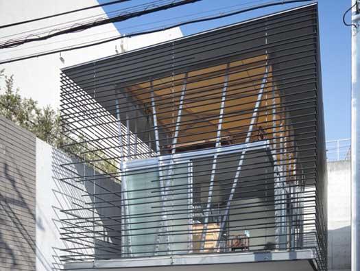 Дом-клетка, Япония