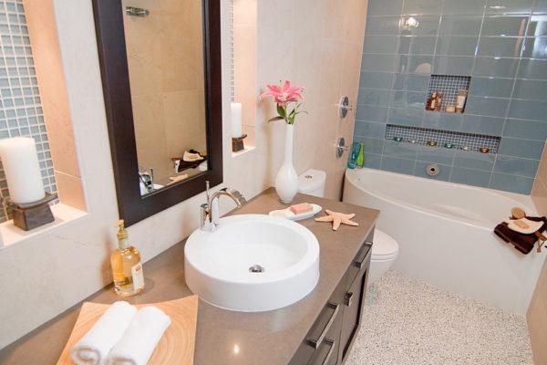 Как обновить интерьер ванной без ремонта?