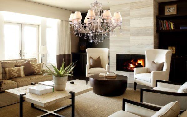 Современные люстры в интерьере гостиной (70 фото)