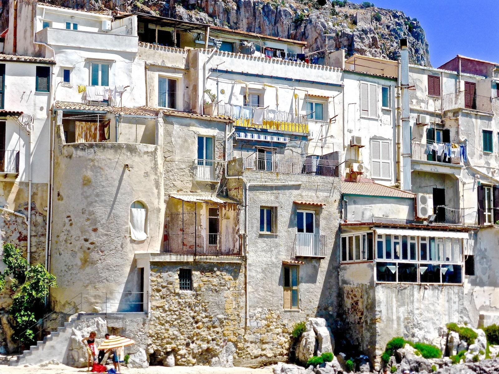 Дом в сицилии за 1 евро где выгодно купить квартиру за границей